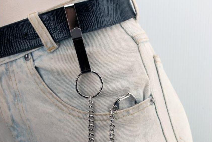 Best-Suspension-Hooks-for-Hanging-Keys