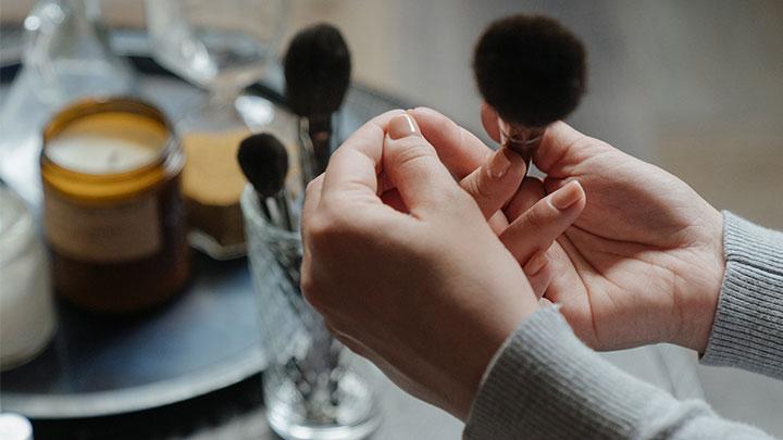 best corner makeup vanity table