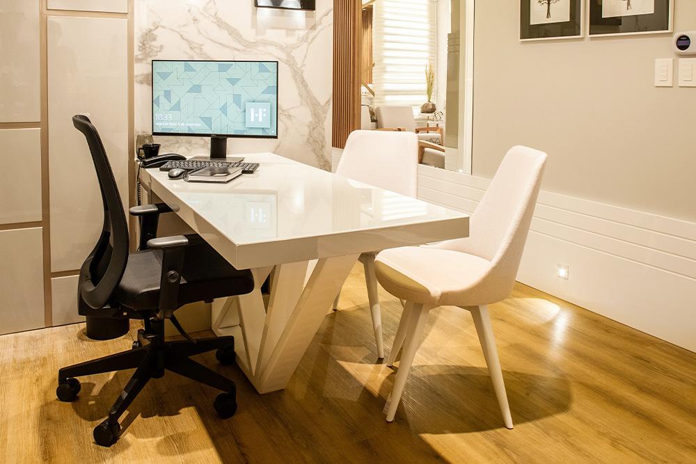 ofiice chair on hardwood floors